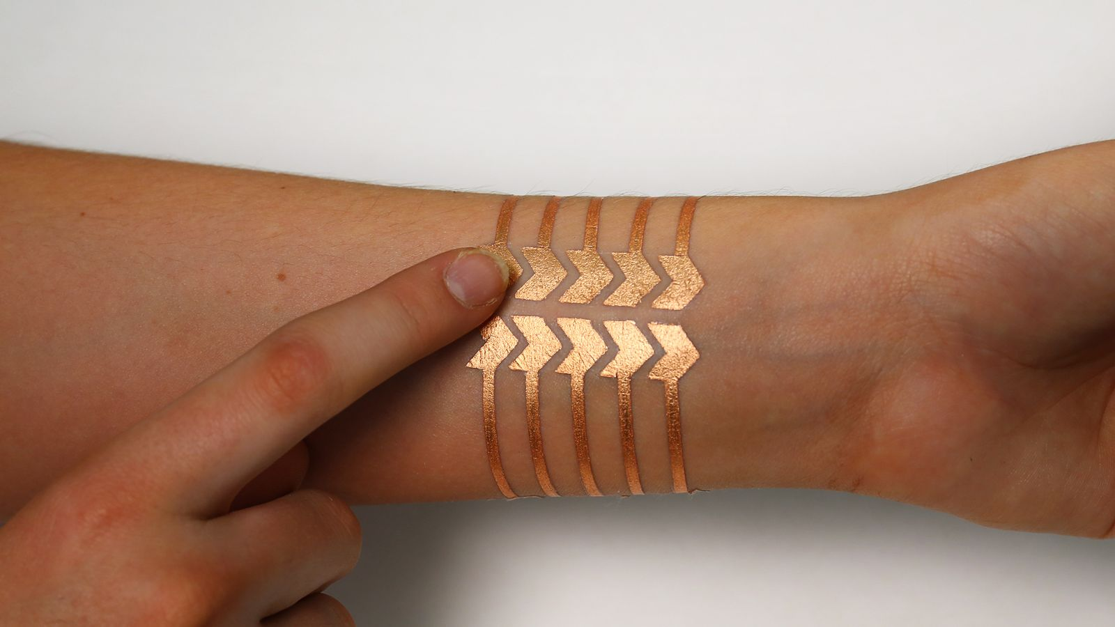 A 'smart' tattoo' to control your smartphone?