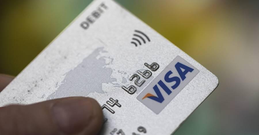 "Visa ""Helping"" Retailers Go Cashless"