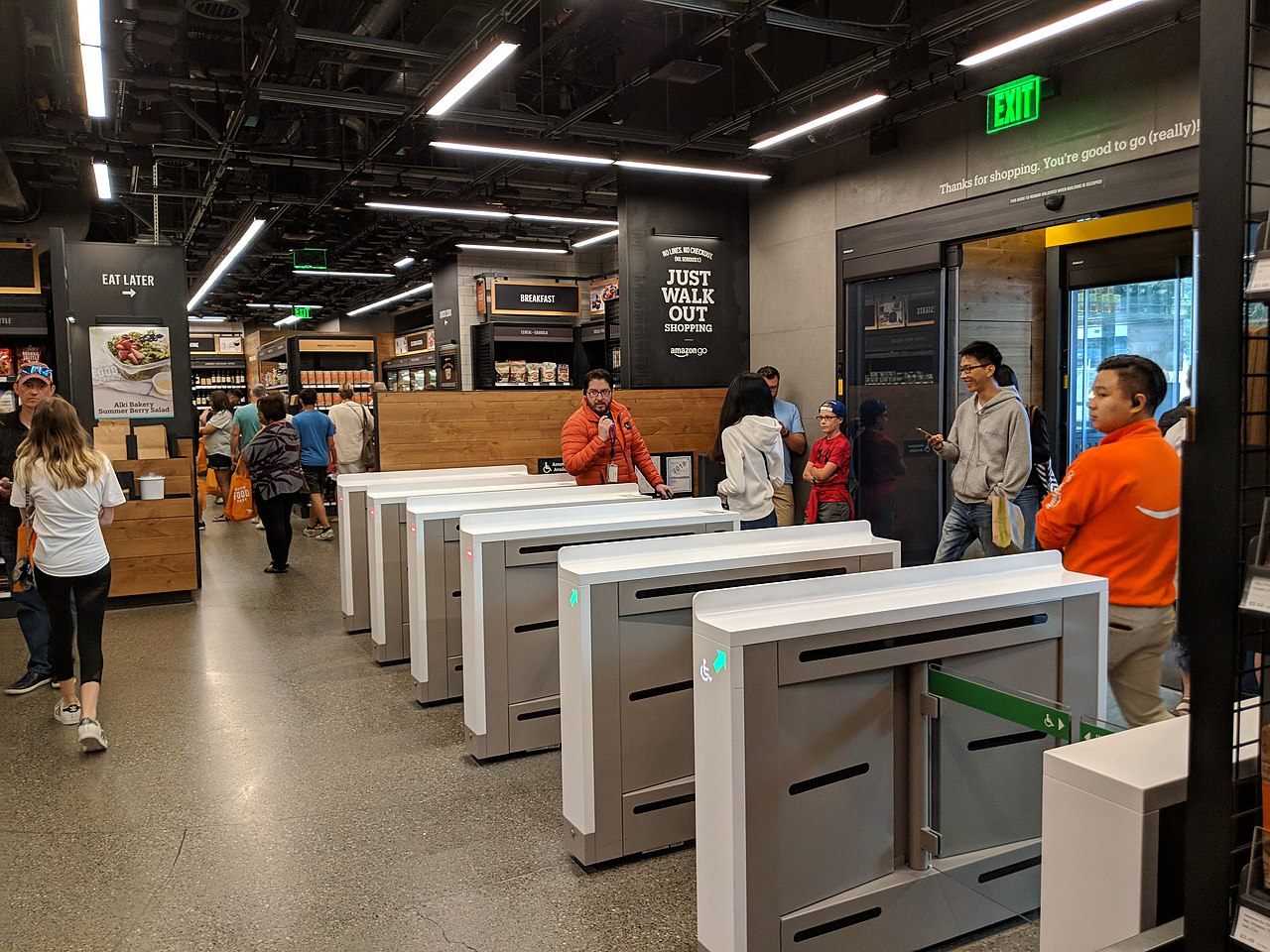 Amazon eyes up to 3,000 cashierless stores by 2021